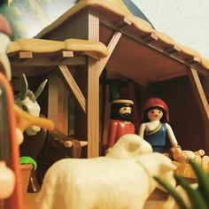 La llegada al Portal de Belen desde los ojos de un pastor #Belen #Navidad #25d #playmobil #playmofigures #playmobilove #toyphotography #playmofan #playmofans