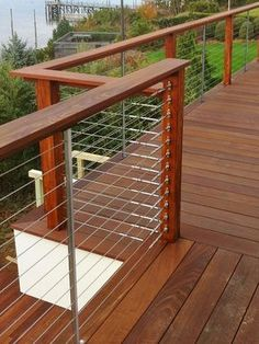 Creative Deck Railing Ideas for Inspiration Feeney-cable-rail-for-Wood-deck-railing-with-quick-connect-surface-mounted-fittings Metal Deck Railing, Deck Railing Design, Patio Railing, Cable Railing, Decking Handrail, Deck Railing Ideas Diy, Handrail Ideas, Patio Stairs, Timber Deck