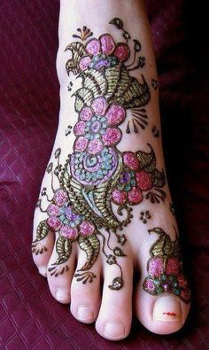 Glitter Foot Mehndi Design