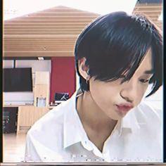 Lee Minho Stray Kids, Lee Know Stray Kids, Stray Kids Chan, Stray Kids Seungmin, Felix Stray Kids, Funny Kpop Memes, Kid Memes, Cute Korean Boys, Cute Boys