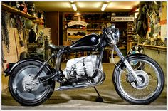 1986 BMW R80RT 'Bopper' Custom BMW Bobber based on  a 1986 BMW R80RT. The builder Michael Dobson from New Zealand, who used to be a BMW motorcycle mechanic for the police BMW motorcycles for 34years. He used his expertise in building this Custom BMW R80RT