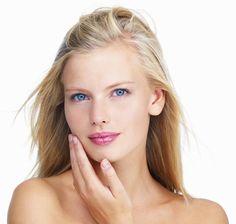 Bitkilerle Tüylerin Kökünü Kurutun    Tüyler kadınların hatta son zamanlarda erkeklerin de baş belasıdır. Özellikle yüzdeki tüyler kadınların korkulu rüyası olmaktadır. İşte size yüzdeki tüyleri azaltmak için birkaç doğal yöntem.Yüzdeki aşırı tüyün sebebi hormonal bozukluktur.    Nane kürü vücudun hormon dengesini düzene sokar ve aşırı tüylenmeyi engeller.