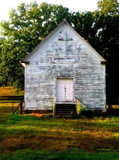 Loved the little country churches I grew up going to. This hind of reminds me of Salem or maybe Christian Brotherhood....Mom would get me and my sister dressed up in our little Sunday dresses...brother in his outfit...off to an old fashioned ,,,glory filled service