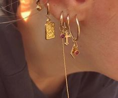 i want all of those earrings.