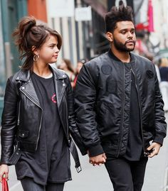 Selena Gomez and The Weeknd Wear Matching Outfits Source by missdiord outfits Selena Gomez Fashion, Selena Gomez Style, Selena Gomez Short Hair, Selena And The Weeknd, Selena And Abel, Britney Spears, City Outfits, Casual Outfits, Marie Gomez