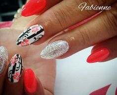 Nail Art Ideas to spice up your manicure - Esther Adeniyi Acrylic Nail Designs, Nail Art Designs, Natural Acrylic Nails, Red Nail Art, Gel Nagel Design, Nail Art Pictures, Magic Nails, Happy Nails, Nail Art Videos