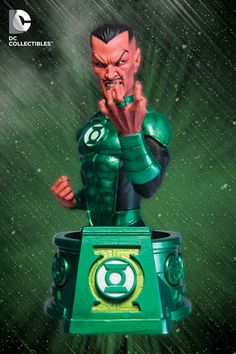New Sinestro bust is a part of DC's new DC Collectibles initiative replacing DC Direct.
