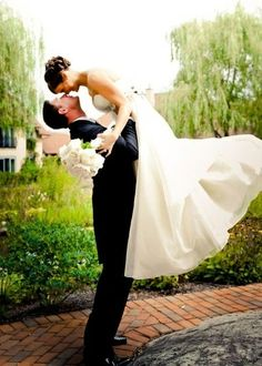 50 MUST HAVE PICS WITH THE BRIDE AND GROOM