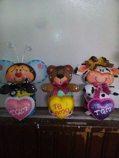 Animales Foam Crafts, Diy And Crafts, Baby Shawer, Mickey Mouse, Lily, Scrapbook, Dolls, Christmas Ornaments, Halloween
