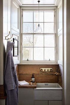 Butler Sink - Ideas for bathrooms - small and large cabinets, tiles, mirrors & storage - bathrooms on HOUSE by House & Garden Badezimmer Bathroom Interior, House Interior, Small Bathroom, Bathrooms Remodel, House, Home Remodeling, Home, Interior, Bathroom Design