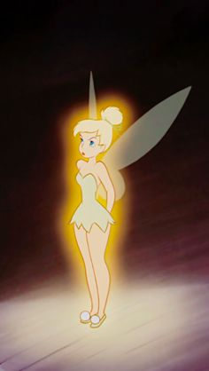 disney - Tinkerbell - from Peter Pan, the movie Tinkerbell Wings, Tinkerbell And Friends, Tinkerbell Disney, Disney Fairies, Tinkerbell Drawing, Walt Disney, Cute Disney, Disney Magic, Disney Art