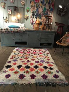 vintage kids furnitures , designer, lovely and curious things for adults and for kids. Bohemian Style, Bohemian Rug, Boucherouite, Vintage Children, Kids Furniture, Dorm Room, Quilts, Blanket, Rugs