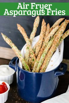 With less than 5 ingredients, NO oil, and done in less than 10 minutes, these Air Fryer Asparagus Fries will become a favorite side dish or snack Air Fryer Oven Recipes, Air Frier Recipes, Air Fryer Dinner Recipes, Grilled Asparagus Recipes, Asparagus Fries, Baked Asparagus, Lemon Asparagus, Asparagus Spears, Broccoli Recipes