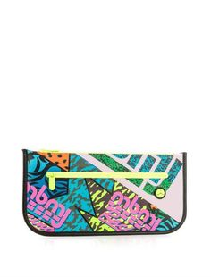 Pin for Later: You'll Want to Act Fast to Grab These Last-Minute Summer Sale Bargains Marc by Marc Jacobs Luna Tarp Fergus-Print Clutch Marc by Marc Jacobs Luna Tarp Fergus-Print Clutch (£87, originally £175)