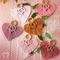 day decorations for home diy projects Heart Shape Wall Hanging Macrame, Modern Macrame, Wall Decor, Wallhanging, Boho Macrame Design, Macrame Art, Macrame Projects, Macrame Knots, Art Macramé, Modern Macrame, Hanging Hearts, Macrame Tutorial, Macrame Patterns