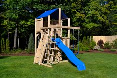 Triumph Play System's Bailey wooden swing set with tire swing and super large play deck. Small Swing Sets, Cedar Swing Sets, Swing Sets For Kids, Large Backyard Landscaping, Backyard Designs, Kid Friendly Backyard, Northern White Cedar, Backyard For Kids, Backyard Ideas