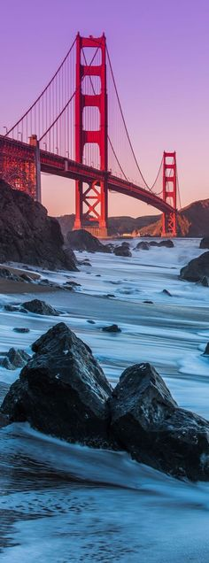 Golden Gate Bridge. Trazado parabólico de los cables en el puente colgante.