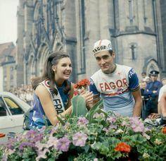 Tour de France 1969, 6^Tappa, 4 luglio. Mulhouse > Belfort. Luis Ocana (1945-1994) sorride alla partenza della tappa.