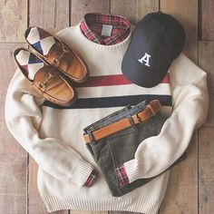 Traditional patterns and effortless style for the holidays. Save Off with code: classic 🎄 Preppy College Style, Preppy Casual, Preppy Style, Men Casual, Prep Outfits, Retro Outfits, Preppy Mens Fashion, Best Mens Fashion, Mens Fashion Sweaters