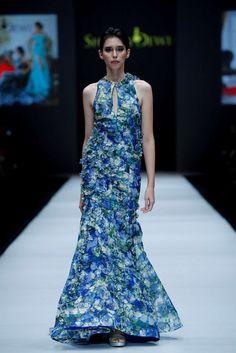 Shinta Dewi, Spring-Summer 2017, Jakarta, Womenswear Jakarta Fashion Week, Business Fashion, Women Wear, Spring Summer, Formal Dresses, Dresses For Formal, Gowns
