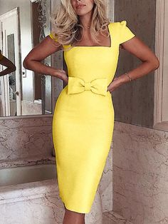 Square Neck Bowknot Midi Dress We Miss Moda is a leading Women's Clothing Store. Offering the newest Fashion and Trending Styles. Trend Fashion, Look Fashion, Womens Fashion, Fashion 2017, Latest Fashion, High Fashion, Fishtail Maxi Dress, Midi Cocktail Dress, Midi Dress With Sleeves