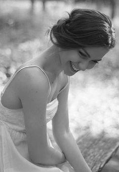 Vá atrás do que te faz feliz, não importa o que os outros vão dizer. O importante é seu sorriso, o importante é você estar bem. Em primeiro lugar, se ame!