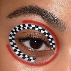 makeup black – Hair and beauty tips, tricks and tutorials Sfx Makeup, Eyeshadow Makeup, Makeup Remover, Makeup Art, Eyeliner, Eyeshadows, Makeup Stuff, Black Makeup Gothic, Crazy Makeup