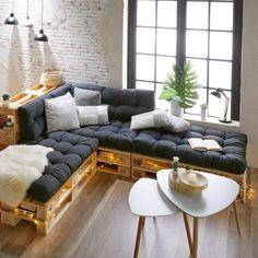 60 stunning diy projects pallet sofa design ideas diy home d Pallet Furniture Cushions, Diy Pallet Couch, Diy Couch, Wooden Pallet Furniture, Couch Furniture, Furniture Ideas, Pallet Wood, Furniture From Pallets, Wooden Sofa