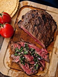 Elke donderdag 'steak night' @the vergulde kruik! 200 gram Ierse dry Aged rundersteak met jus van sjalot, salade en witbrood voor maar €12,50..   Tot donderdag!