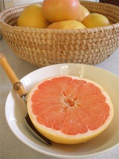 Grapefruit with a grapefruit spoon <3