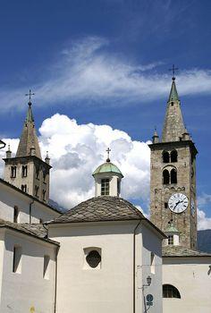 Aosta, Kathedrale Santa Maria Assunta e San Giovanni Battista, Glockenturm (Cathedral St. Mary and St. John the Baptist, bell tower)