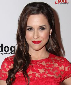 Lacey Chabert Long Wavy Hairstyle.