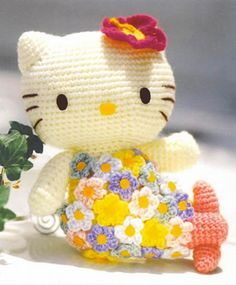 Crocheted Hello Kitty with Flower Dress - FREE Amigurumi Crochet Pattern