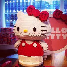 Hello Kitty. FAO Schwarz. New York.