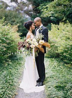 Stunning wedding dress & bouquet