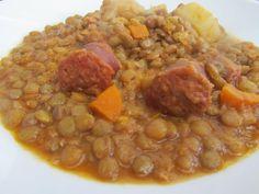 Unas ricas lentejas!! Tipica comida española muy nutritiva, rápida de hacer y muy económica. Espero que os guste!!