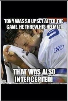 Philly Eagles fans are so mean to me Tony romo crying meme Nfl Jokes, Funny Football Memes, Funny Nfl, Funny Sports Memes, Sports Humor, Hilarious, Cowboys Memes, Football Shirts, Nfl Football
