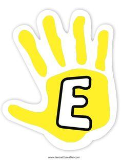 Mani colorate con la scritta benvenuti da incollare su un cartellone il primo giorno di scuola. Materiale: forbici colla