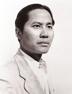 Keye Luke, Actor: Gremlins. Keye Luke was born in Canton, China. He grew up in Seattle, Washington, and entered the film business as a commercial artist and a designer of movie posters. He was hired as a technical advisor on several Asian-themed films, and made his film debut in The Painted Veil (1934). It seemed that he appeared in almost every film that called for Chinese characters, usually in small parts but ...