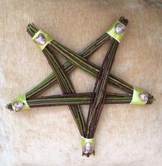 Závesné zdobená hviezda z dreva