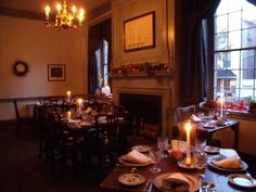 Gadsby's Tavern has been offering fine dining since 1770. Enjoy lunch and dinner in one of the elegant Colonial dining rooms.