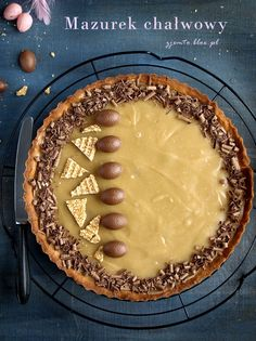 Mazurek chałwowy – Zjem to! Sweet Recipes, Cake Recipes, My Favorite Food, Favorite Recipes, Sweet Pastries, Cookie Desserts, Easter Recipes, Sweet Tooth, Good Food
