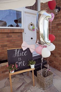 Lady Chatterley's Affair: Alice's First Birthday Party 1st Birthday Balloons, Gold First Birthday, One Year Birthday, Girl Birthday Themes, Baby Birthday, Birthday Bash, First Birthday Parties, First Birthdays, Birthday Ideas
