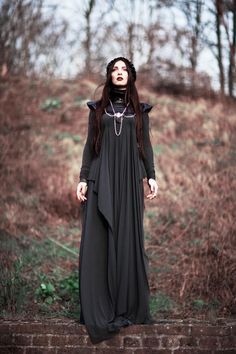 Gothic Ladies | Beauty | Fashion | Costume | Creativity | Couture | Culture | really love the gathering on this dress