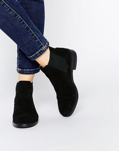 check out 8c98b 17372 River Island Flat Chelsea Boots at asos.com
