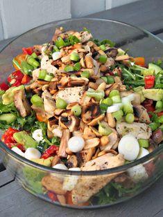 Lun kyllingsalat Main Meals, Cobb Salad, Potato Salad, Nom Nom, Healthy Living, Food And Drink, Turkey, Homemade, Chicken