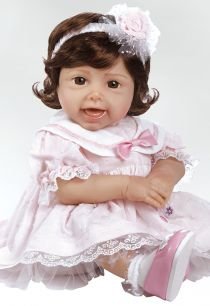Tickled Pink is Paradise Galleries first ever giggling doll! This #lifelikebabydoll is too fun with a sweet grin on her face! This girl is extremely realistic made in vinyl and sculpted by Jen Printy.