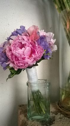 bouquet da sposa. peonie, rose e fresie rosa e glicine. giugno 2014