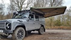 Defender Camper, Land Rover Defender 110, Defender 90, Landrover Defender, Best Tents For Camping, Truck Camping, Camping Life, Jeep Tent, Land Rover Off Road