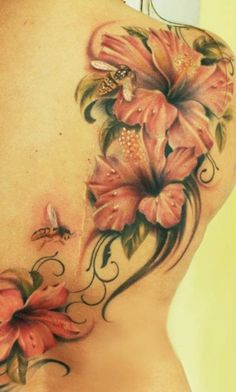Hibiscus flower is the genus of large flowers which grow in most tropical areas of the world. It is now one of favorite choices for women's tattoo ideas. Hibiscus tattoos not only come in a magnificent variety of colors… Continue Reading → Hibiscus Flower Tattoos, Men Flower Tattoo, Beautiful Flower Tattoos, Hibiscus Flowers, Tattoo Son, Tattoo Henna, Bee Tattoo, Chest Tattoo, Cover Up Tattoos